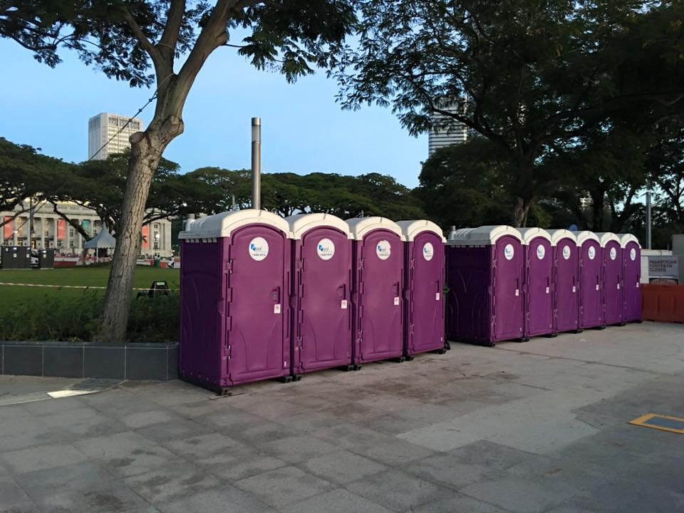portable toilets in car free sunday 2016 3