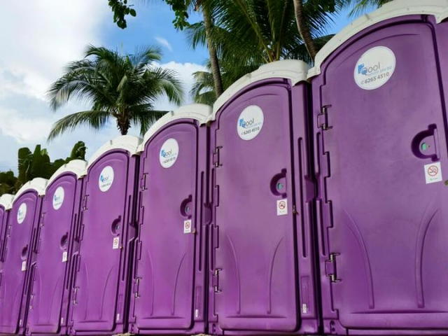 qool enviro portable toilet in zoukout 2015 1