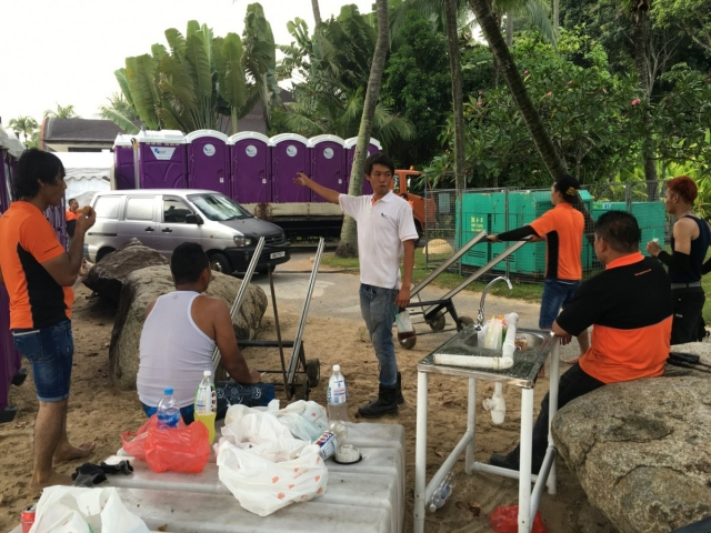 qool enviro portable toilet in zoukout 2015 4